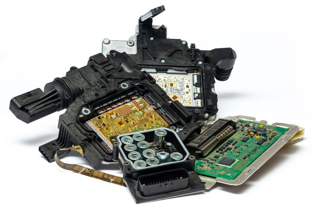 mairec edelmetall precious metals recycling elektronikschrott steuergeraete electronic scrap e scrap escrap contols units